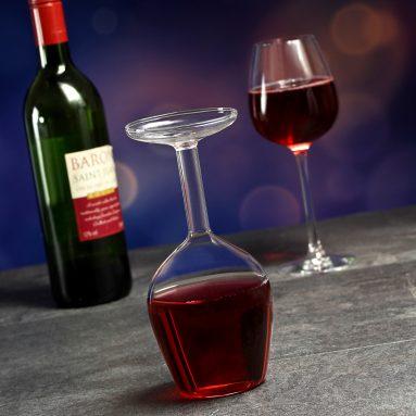 Bicchiere Di Vino Sottosopra