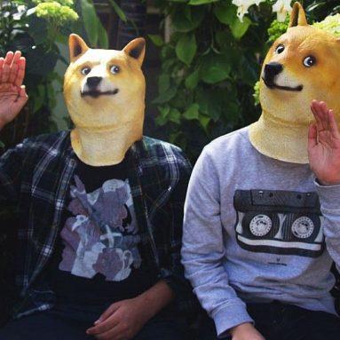 Maschera Doge Meme